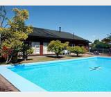 4 bed home, swimming pool and tennis court on 2870m2
