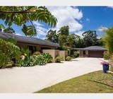 Luxury country residence and cottage set on 1.2 hectares