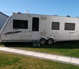 Twin axle Caravan with 4 movers