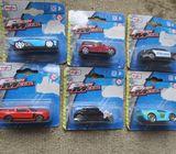 6 brand new Maisto cars